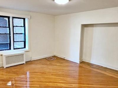 Unit For Rent For Rent: 78-14 Austin St
