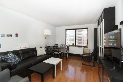 Manhattan Unit For Sale For Sale: 300 Rector Pl