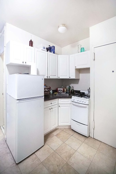 Manhattan Unit For Rent For Rent: 306 E 83rd St