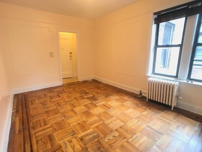 Unit For Rent For Rent: 43-18 39th Pl