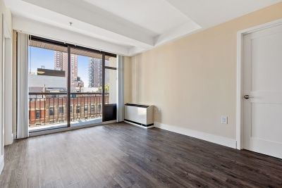 Manhattan NY Unit For Rent For Rent: $4,800