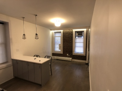 Manhattan NY Unit For Rent For Rent: $2,100