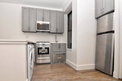 Manhattan NY Unit For Rent For Rent: $2,200