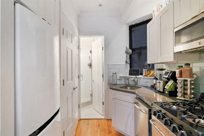 Manhattan NY Unit For Rent For Rent: $2,500