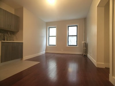Manhattan NY Unit For Rent For Rent: $1,725