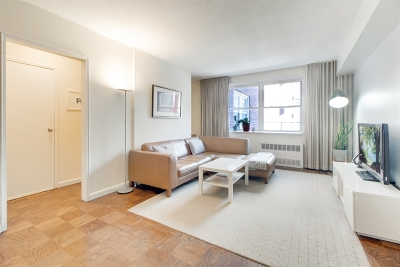 Manhattan Unit For Sale For Sale: 170 W 23rd St