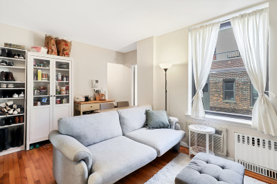 Manhattan Unit For Sale For Sale: 112 W W 72nd St #Suite 30