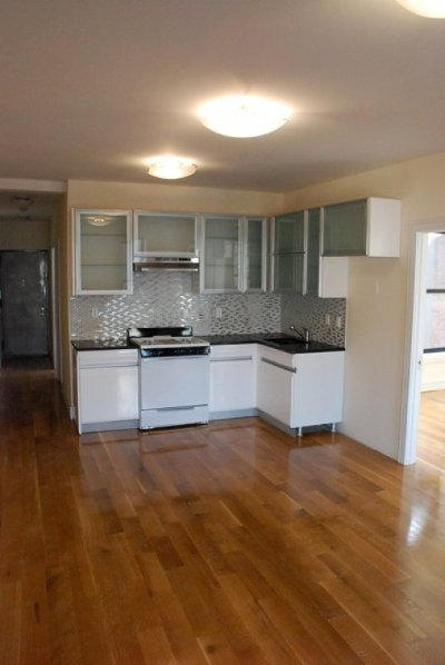 Manhattan NY Unit For Rent For Rent: $2,700