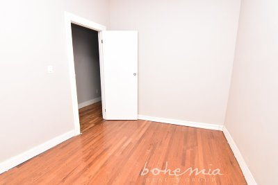 Manhattan NY Unit For Rent For Rent: $1,950