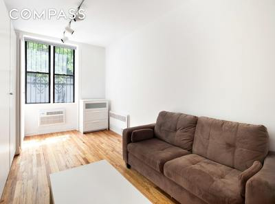 New York Unit For Sale For Sale: 217 E 89th St