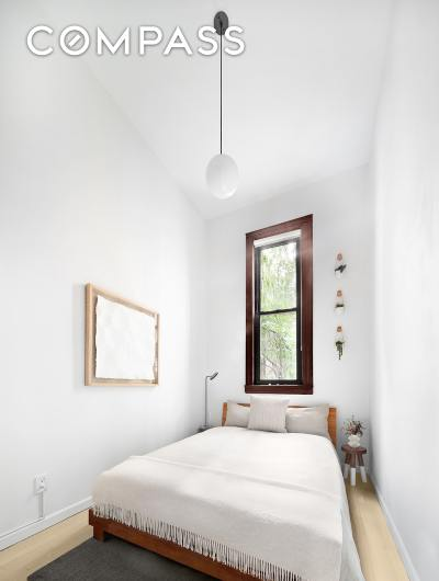 Upper West Side Unit For Sale For Sale: 104 W 87th St