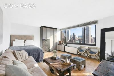 New York Unit For Sale For Sale: 407 Park Ave S