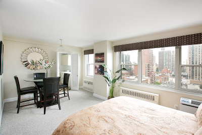 New York Unit For Sale For Sale: 200 E 84th St