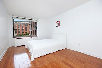 New York Unit For Sale For Sale: 2 S End Ave