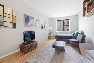 New York Unit For Sale For Sale: 205 E 89th St