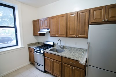 Astoria Unit For Rent For Rent: 32-52 33rd St