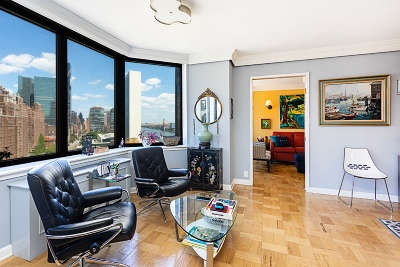 New York Unit For Sale For Sale: 415 E 37th St