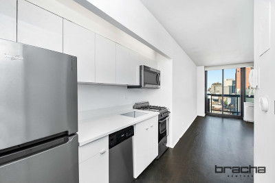 New York Unit For Sale For Sale: 300 E 62nd St