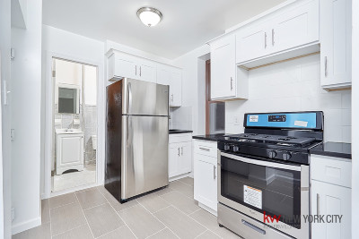 Williamsburg Unit For Sale For Sale: 648 Grand St
