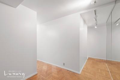 New York Unit For Sale For Sale: 106 Central Park S