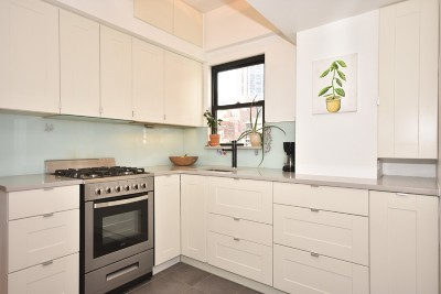 New York Unit For Sale For Sale: 210 E 36th St