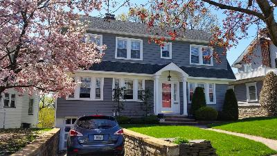 Single Family Home Sold: 10 Parkview Place
