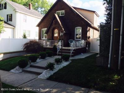 Single Family Home Sold: 16 Bryant Avenue
