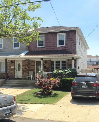 Semi-Attached Sold: 30 E Augusta Avenue
