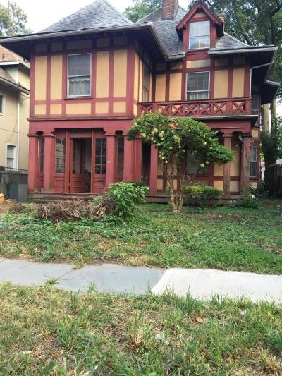 Single Family Home Sold: 120 Vanderbilt Avenue