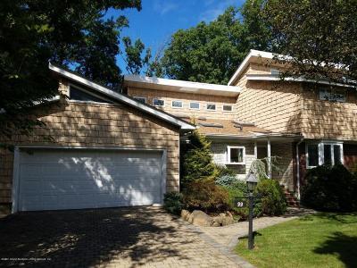 Richmond County Single Family Home For Sale: 99 Merrick Avenue