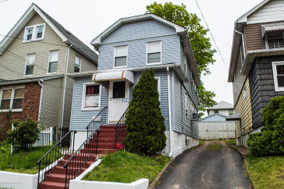 Staten Island NY Single Family Home For Sale: $448,000