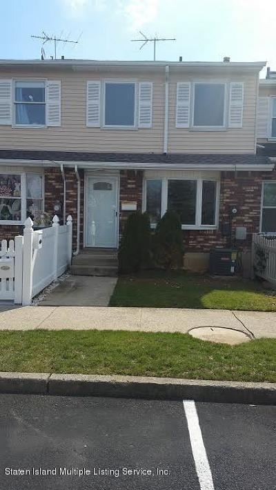 Staten Island NY Single Family Home For Sale: $314,900