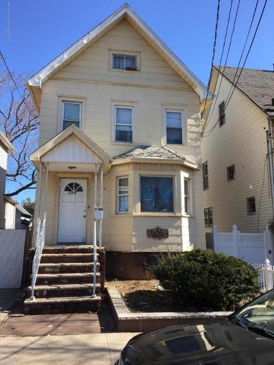 Staten Island Single Family Home For Sale: 139 Blackford Avenue
