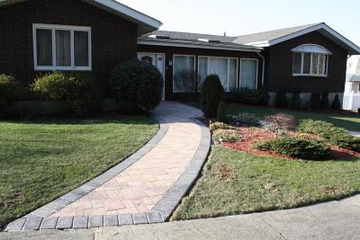 Staten Island NY Single Family Home For Sale: $1,049,000