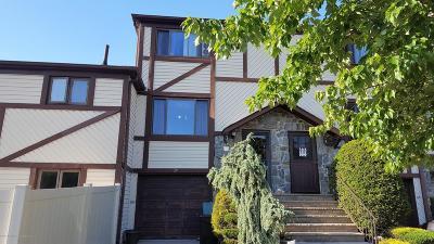 Condo/Townhouse Acceptance: 29 Dreyer Avenue