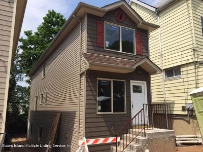 Single Family Home For Sale: 133 Hendricks Avenue