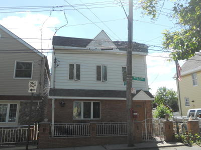 Single Family Home For Sale: 40 White Plains Avenue