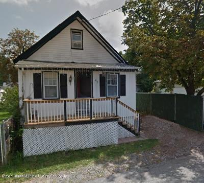 Staten Island NY Single Family Home For Sale: $249,000