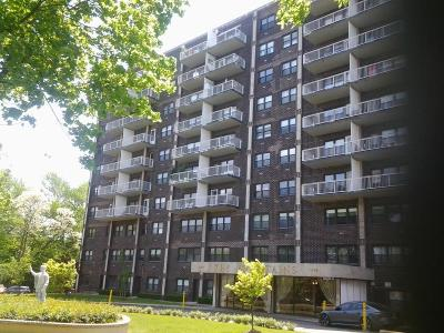 Staten Island Co-op For Sale: 1100 Clove Road #3c