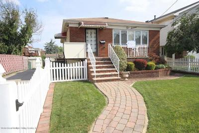 Single Family Home For Sale: 216 Olympia Boulevard