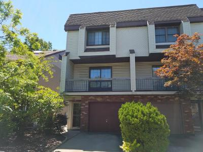Condo/Townhouse For Sale: 23 Stack Drive