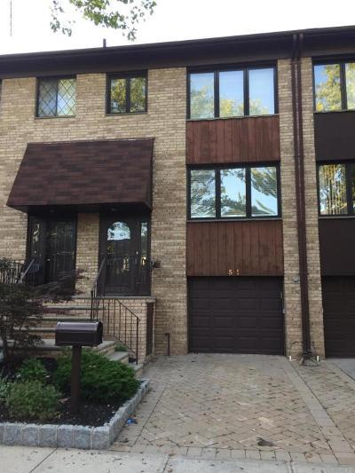 Staten Island Condo/Townhouse For Sale: 51 Claradon Lane