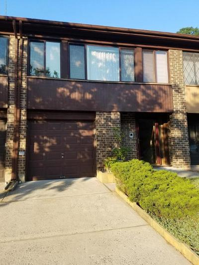 Condo/Townhouse For Sale: 327 Hillbrook Drive