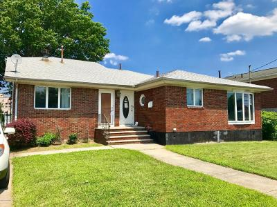 Richmond County Two Family Home For Sale: 233 Hull Avenue