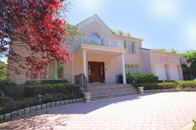 Staten Island Single Family Home For Sale: 70 Dresden Place