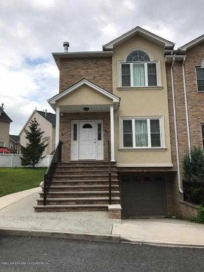 Staten Island Two Family Home Acceptance: 41 El Camino Loop