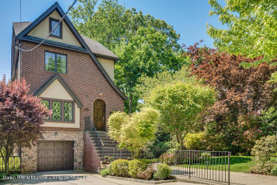 Staten Island Single Family Home For Sale: 20 Silver Court