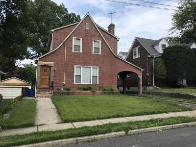 Single Family Home For Sale: 243 Hart Avenue