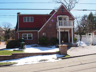 Staten Island Single Family Home For Sale: 82 Harborview Place