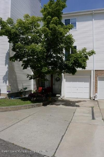 Staten Island Single Family Home For Sale: 146 Jamie Lane